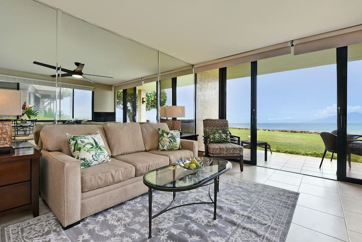 Papakea  L108  Immaculate, Stunning Ocean Front