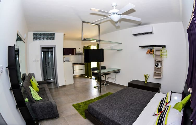 Pinewood Studio Apartment - Swieqi - Apartamento