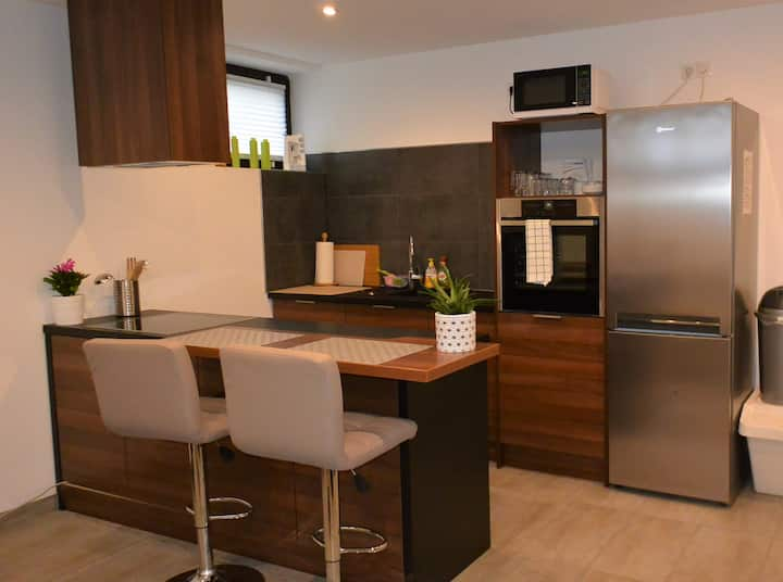 Ground floor, renovated, 1-bedroom TDY apartment
