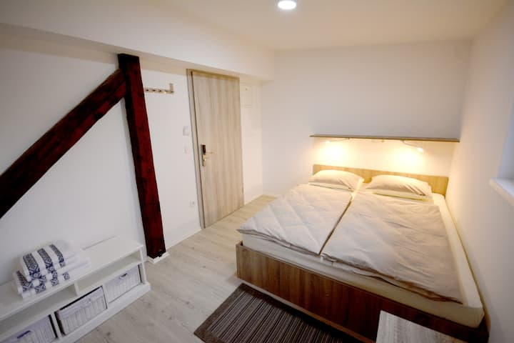 Evi Rooms - Deluxe double room
