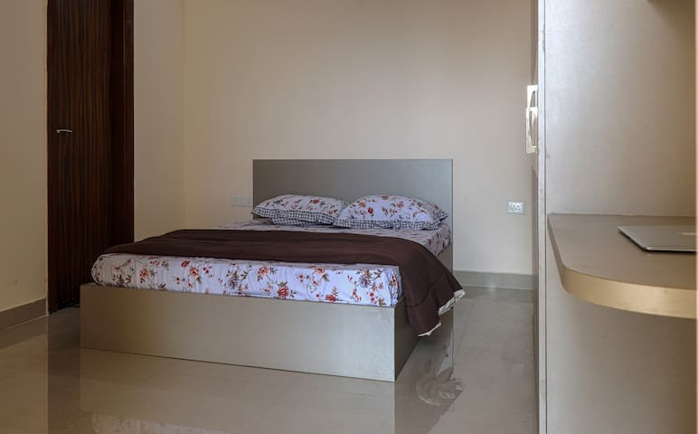 Helloworld Nasa | Private Room in 3BHK-02