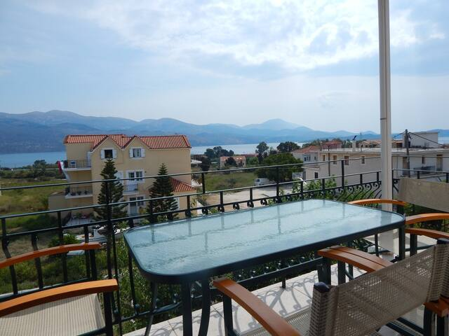 Beautiful house with great view - Lixouri - House