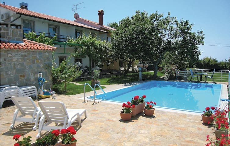 Holiday apartment with 2 bedrooms on 48m² in Lucija