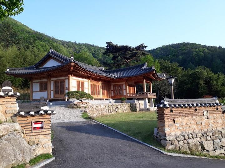 """전주근교 완주 오성한옥마을 """"죽림원""""  한옥펜션 독채전체"""