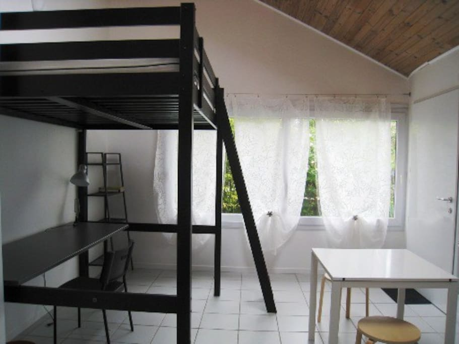 studio ind pendant sur jardin maisons louer angers pays de la loire france. Black Bedroom Furniture Sets. Home Design Ideas