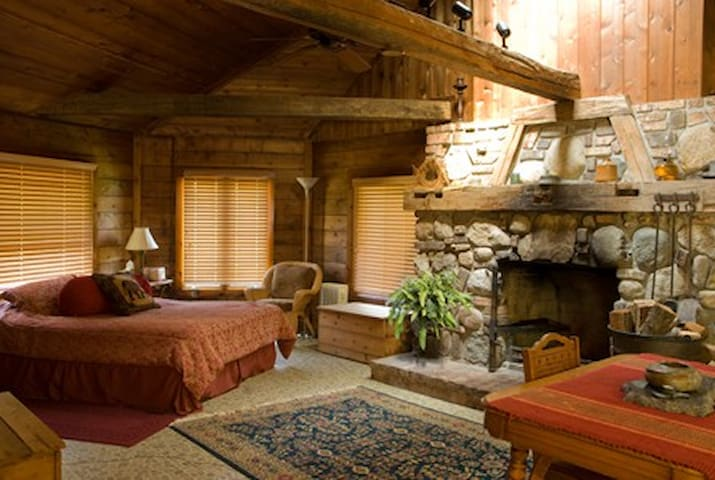Lonnie's Private Eco Lodge - Watervliet - Casa