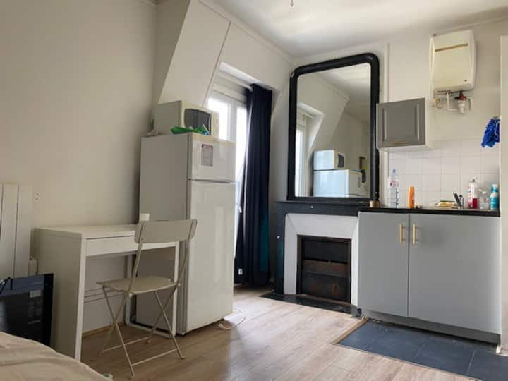 Studio at 5min walk to Gare de Lyon