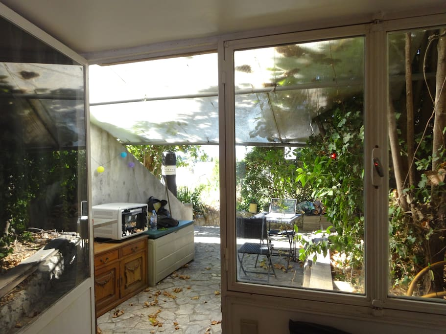 Terrasse privative ouvrant sur jardin