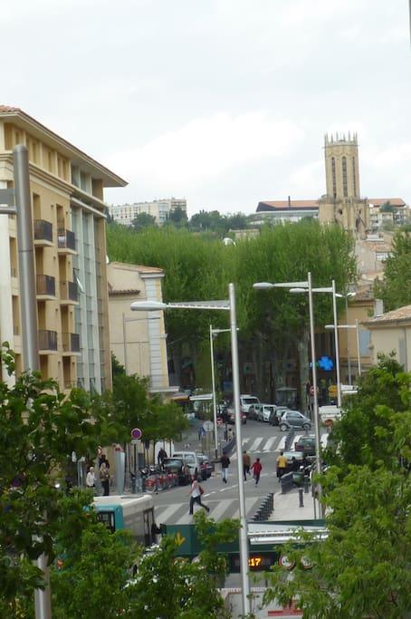 vue sur la cathedrale ,et le centre ville: a deux pas( near)