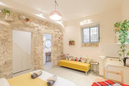 Stone House In Jerusalem city center ground floor