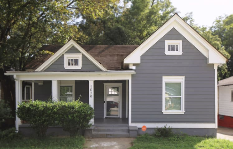 Modern Two Bedroom Home Downtown ATL! (CDC Safe)