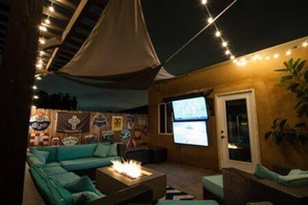 Curious Traveler South Park Studio - San Diego