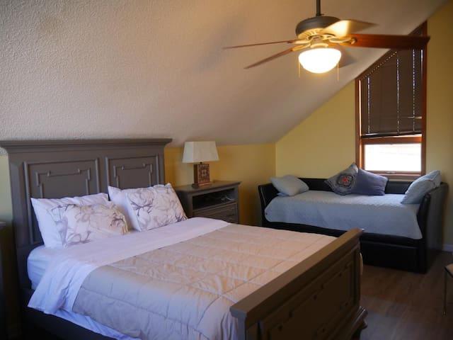 Bedroom 3, level 3