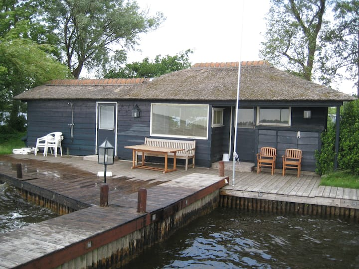 Amsterdam nearby lakefront cottage