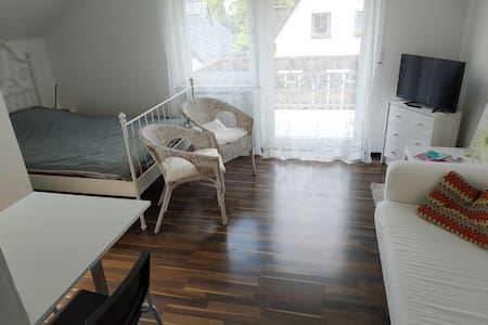 The White Apartment am Fuße des Hermanns