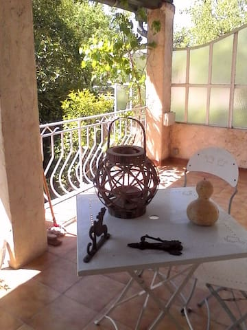 chambre dans maison au calme - Bouc-Bel-Air - Hus