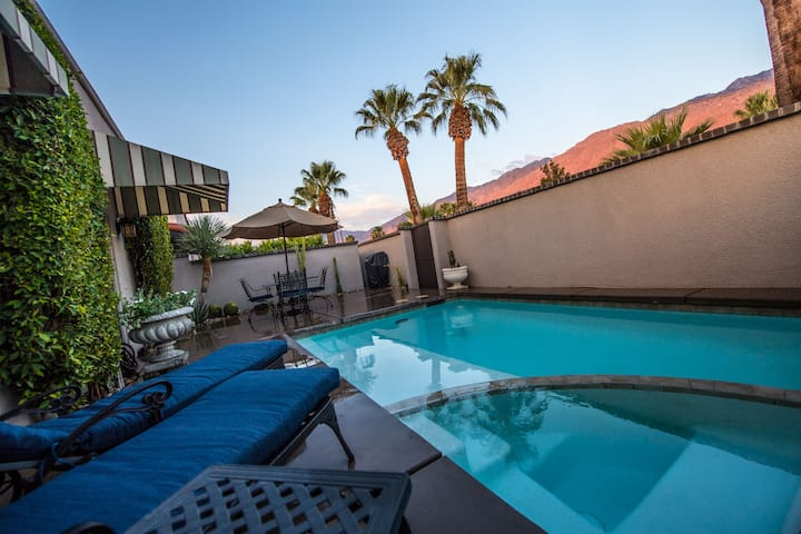 Romantic Downtown Property with Private Pool & Spa