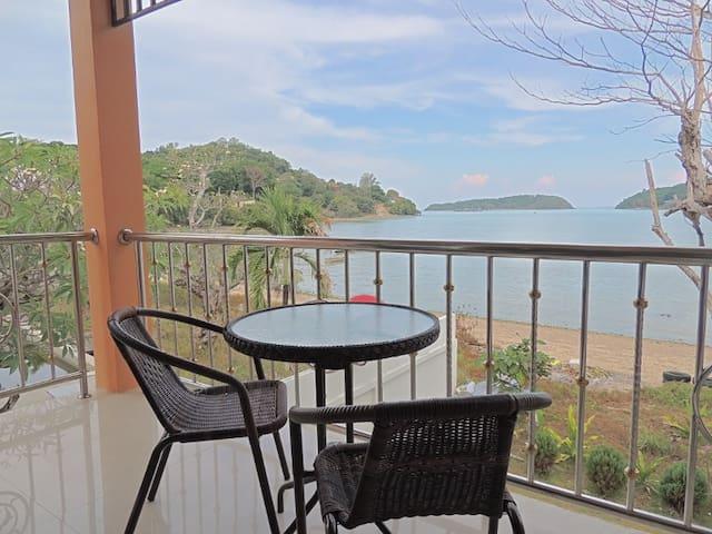 Corner Apart Scenic Beach Balcony - Mueang Phuket - Apartment
