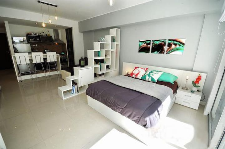Modern & comfortable apartment at best location