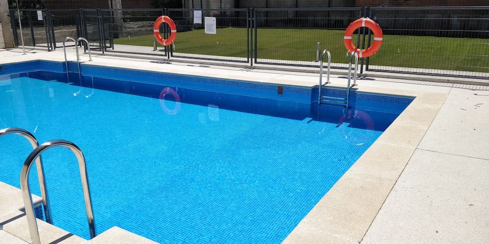 NICE NEW APARTMENT WITH PRIVATE GARAJE AND POOL