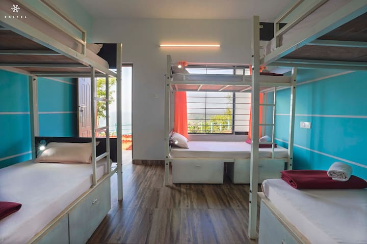 A Bed in 6 Bed Mixed Dorm in Gokarna