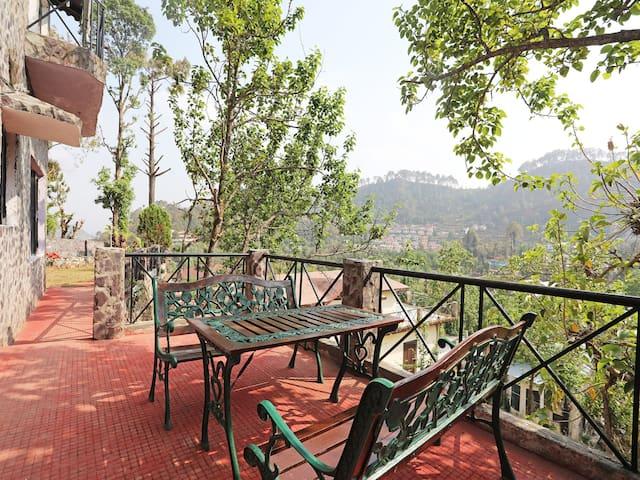 Spacious villa in Nainital