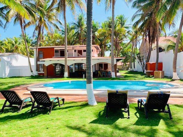 Costa del Sol El Salvador-Beach-A/C-WIFI- SmartTVs
