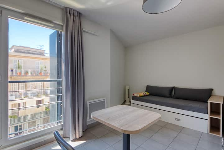 DETAILED HOUSEHOLD - Comfortable apartment