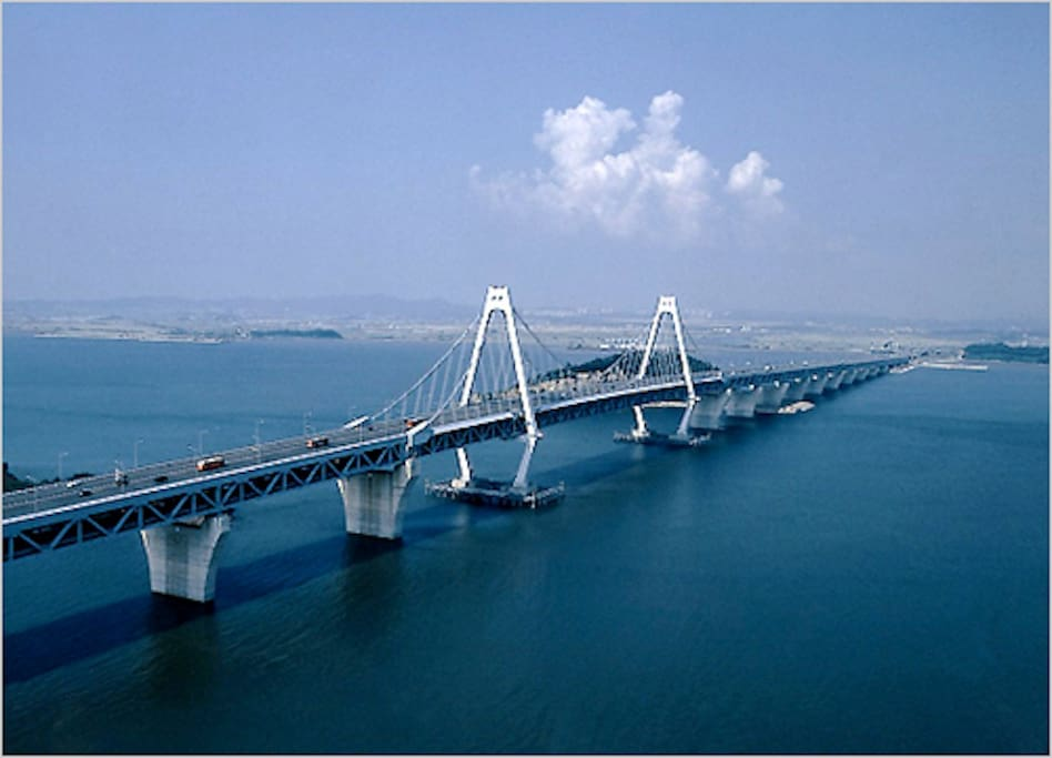 Bridge, connecting the airport and the mainland
