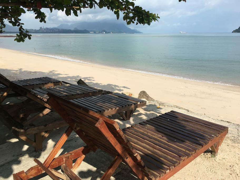 labu labi residence family room 1 chalets for rent in pulau langkawi  kedah  malaysia