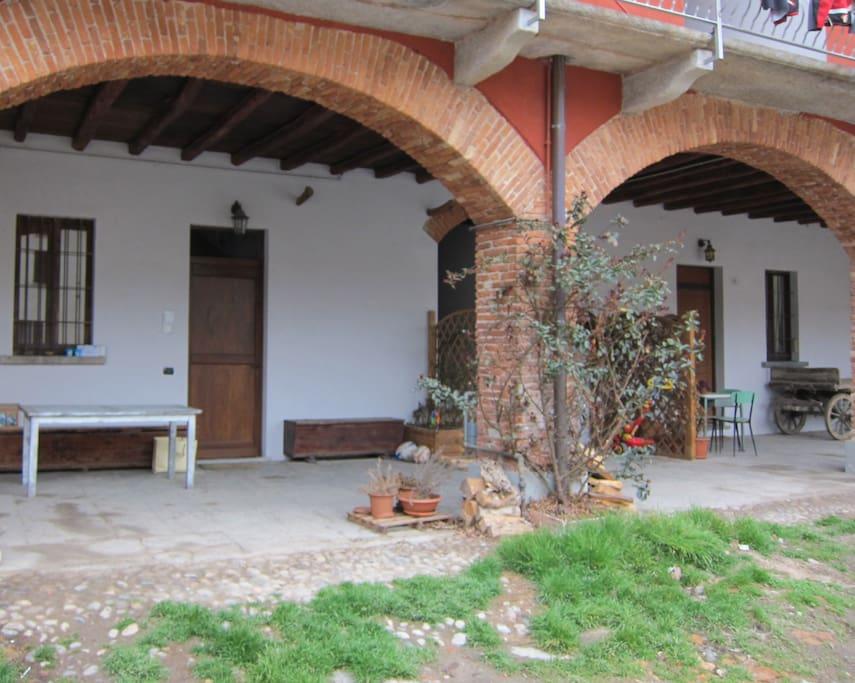 Porch Property / Porticato di proprietà,