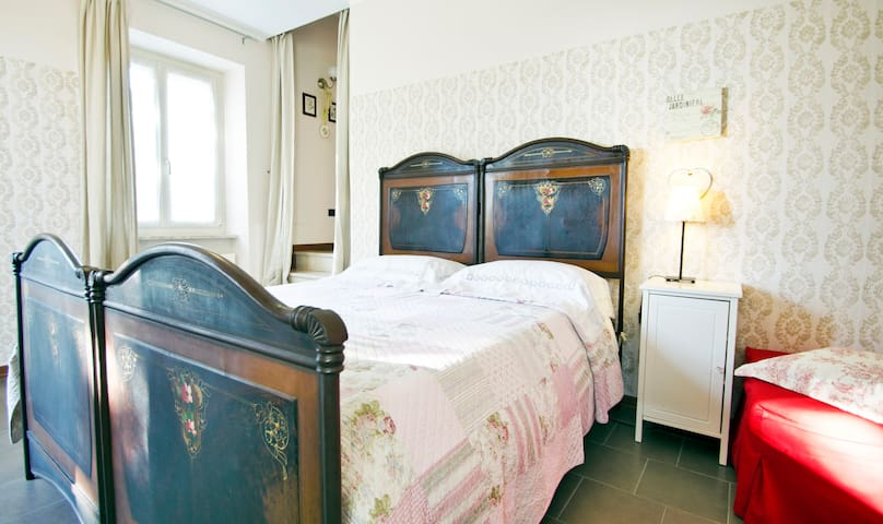 rooms breakfast lake garda sirmione peschiera - Monzambano - Bed & Breakfast
