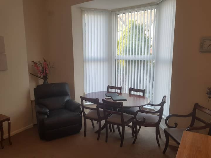 HEYSHAM VILLAS 2 BEDROOM SLEEPS 5 FREE PARKING