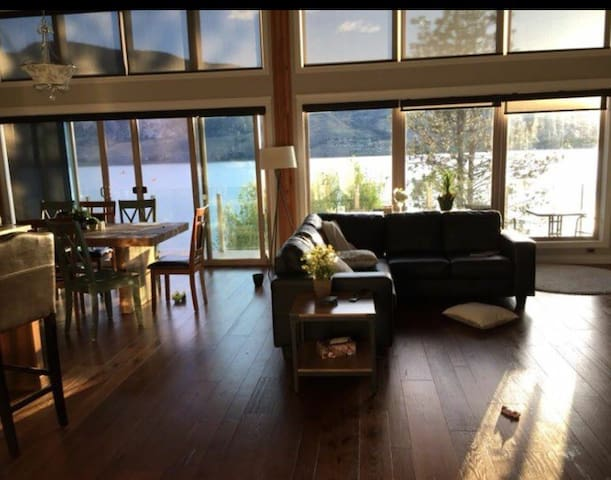 Lakeside Living-Private Room