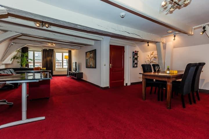 Spacious city apartment in Deventer