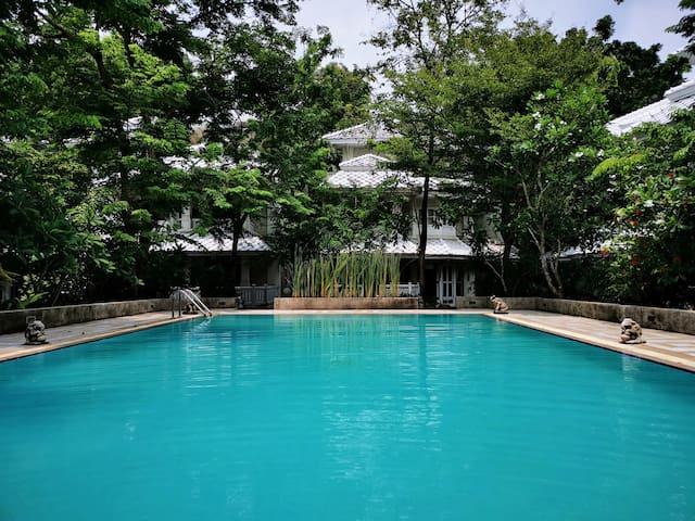 THAI VILLA /RIVERSIDE/lUXURY/SPECIAL PRICE