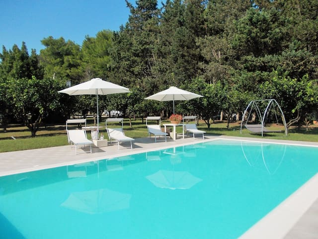 B&B Villa I 2 leoni-suite+breakfast+cucina esterna