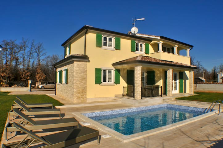 Luxurious Villa for 6 in Poreč - Poreč