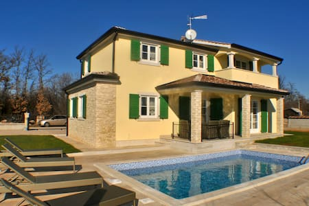 Luxurious Villa for 6 in Poreč - Poreč - Villa