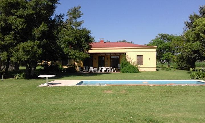 Casa de campo en Carlos Keen