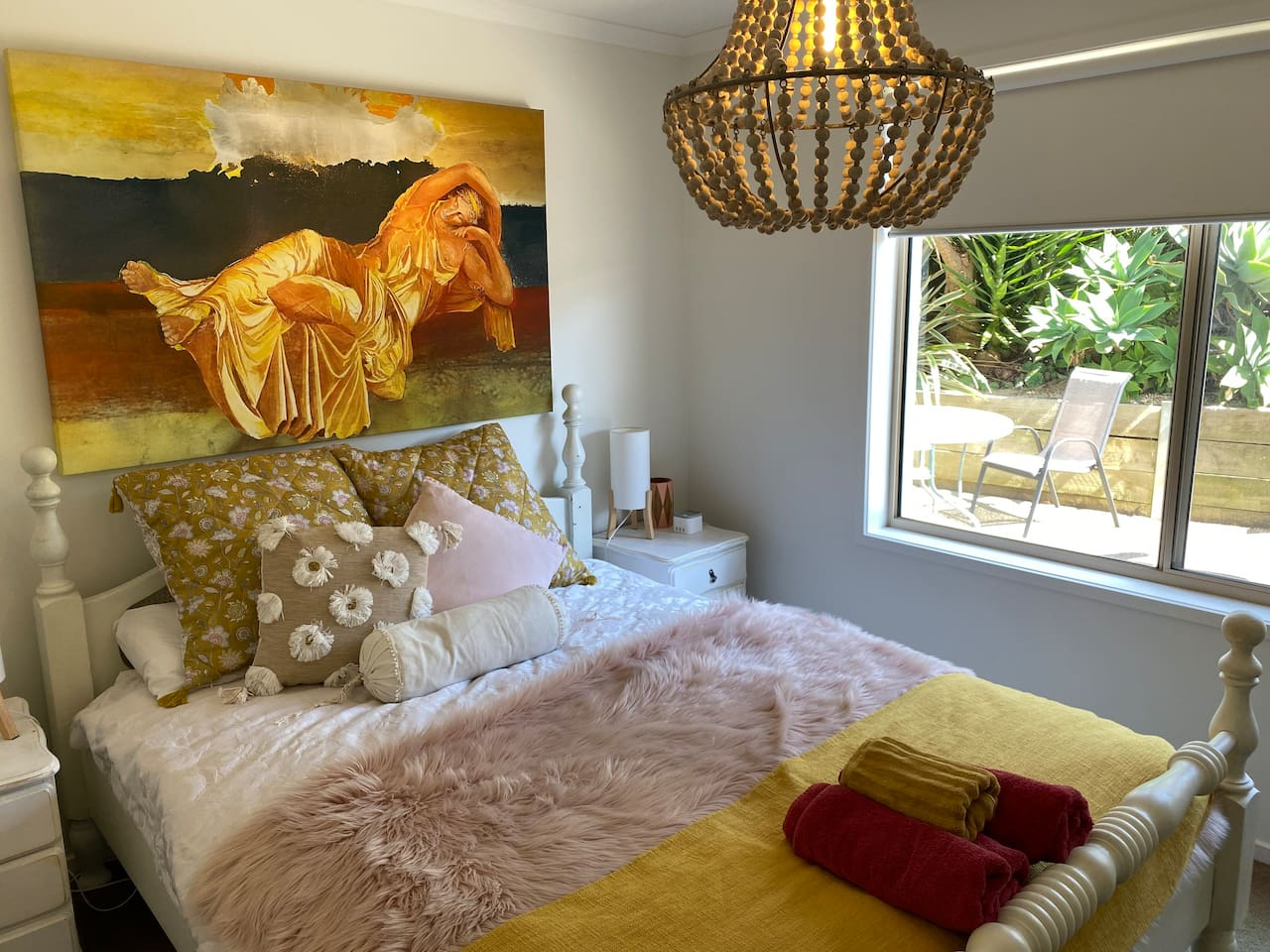 Relax and enjoy the Pillow top comfy bed and beautiful outlook to a garden filled with little birds and native flowers.  Relaxing decore provides a tranquil getaway . Phone charger extra pillows and blankets provided at no extra charge.