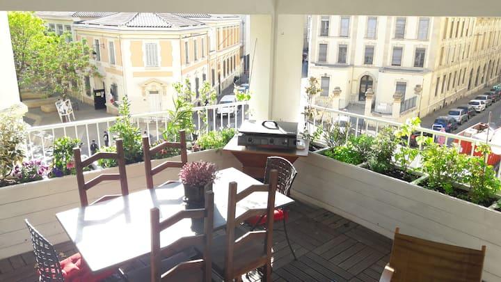 Le phocéen T3 centre-terrasse-parking gratuit