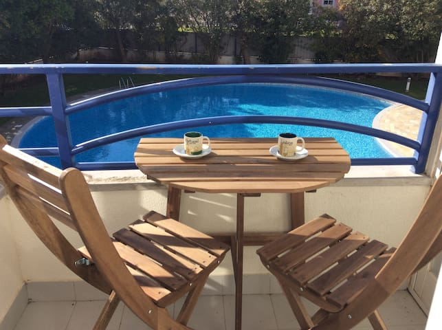 Flat with Pool near the Beach near Lisbon - Oeiras - Huoneisto
