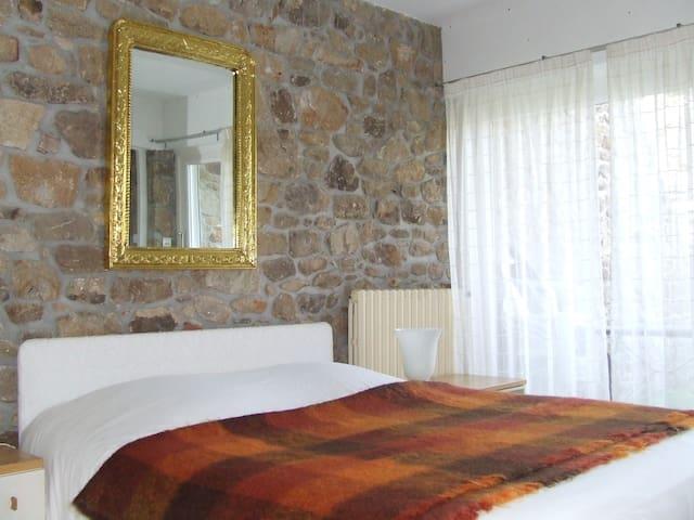 Chambre dans maison sur l'ile  - Ile aux moines - Hus