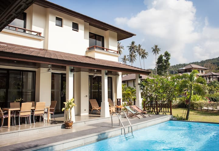 Maenam Beach, Golf & Pool Villa
