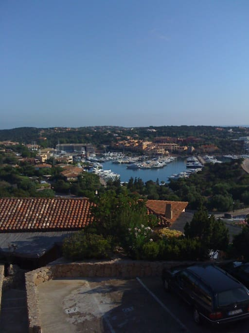 vista dal terrazzo/view of the harbor