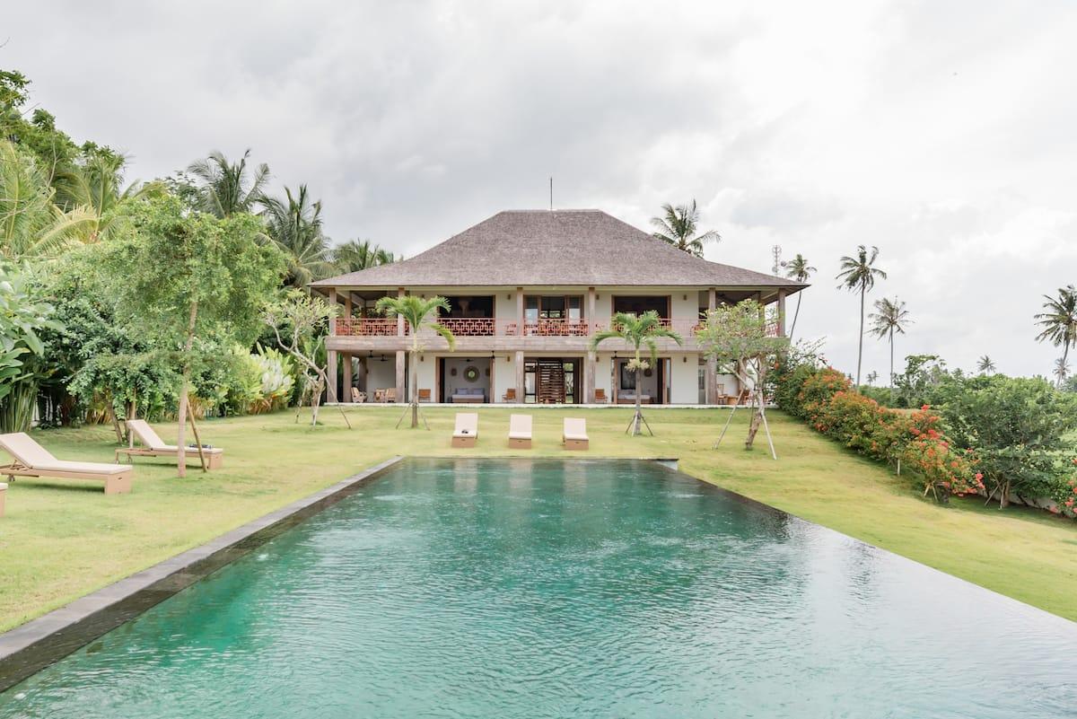 Stunning Ocean Views from the Luxurious Balian Prana Lodge