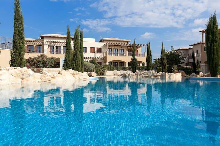 Fantasy Stay at Aphrodite Hills Resort
