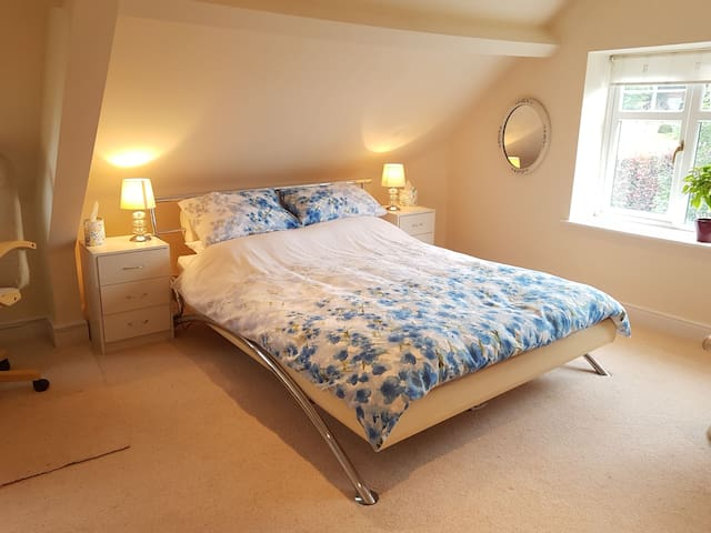 King bed, En suite Power Shower, Large light room