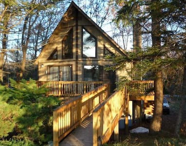 Peaceful Pocono Lakefront Chalet  - Chalet